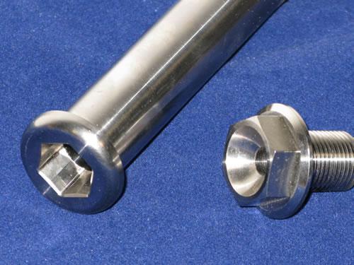 Titanium swingarm axle, complete with bolt  Ducati 748-916
